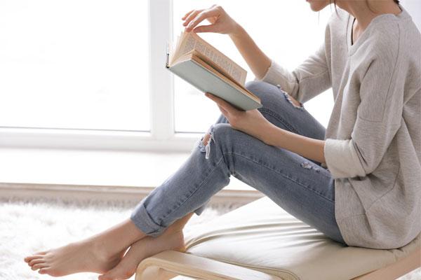 本を読んで情報を集める