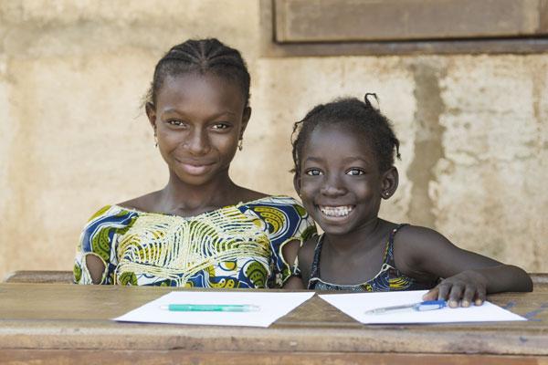 発展途上国で学ぶ子供たち